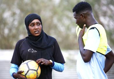 La entrenadora de fútbol que ha hecho historia en Sudán