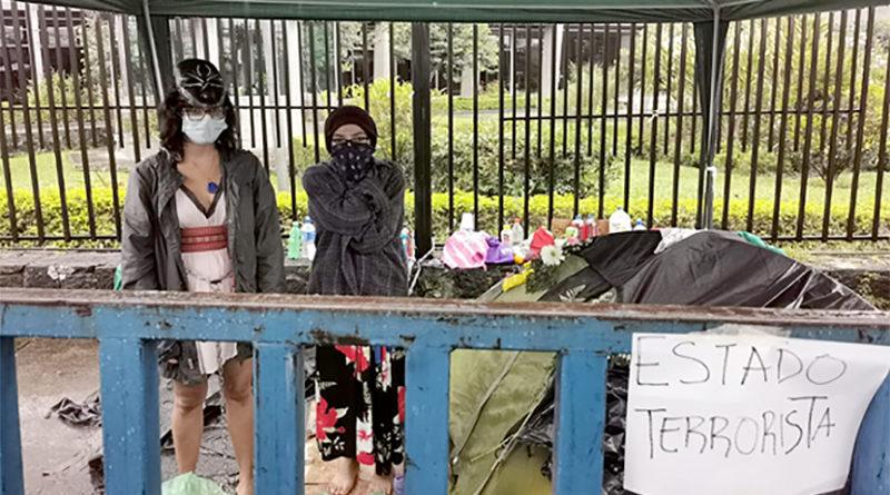 Mujeres en huelga de hambre contra la pesca de arrastre en Costa Rica